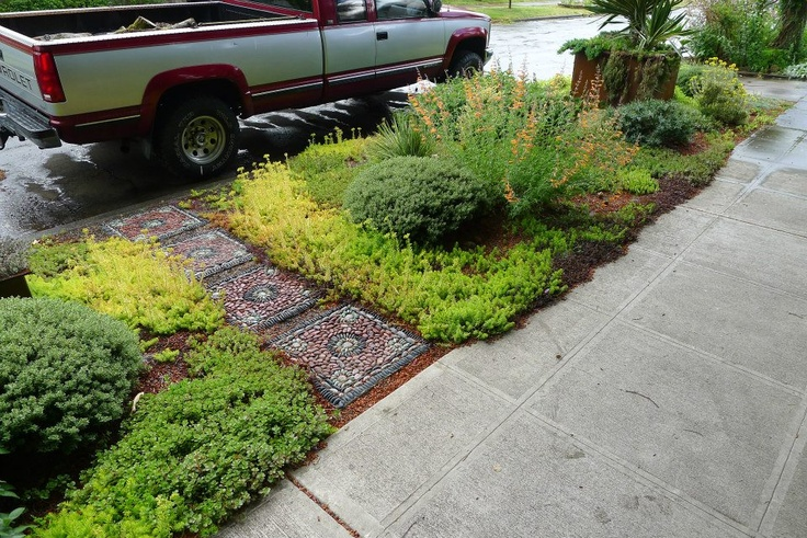 17 best images about landscaping for narrow driveway areas for Edging to keep mulch off sidewalk
