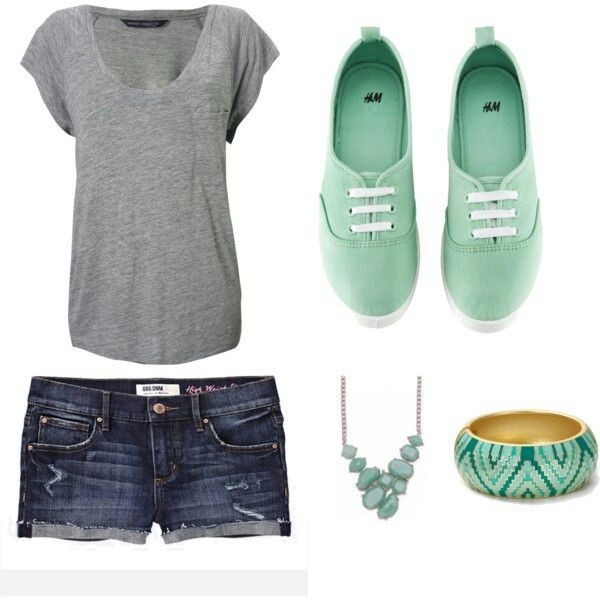 Simple outfit idea. I really need to go clothes shopping... which always a fun experience.