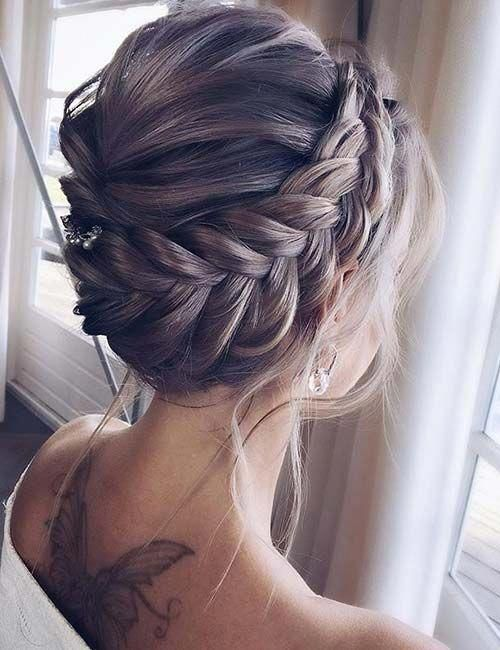 25 Elegant Formal Hairstyles For Girls #Shorthairupdo #hairideas #Hairstyle #hairstyles #tutorials