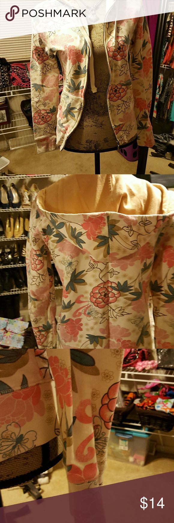 Aeropostale Floral Zip Up Hoodie Very nice hoodie, hardly ever worn. Aeropostale Tops Sweatshirts & Hoodies