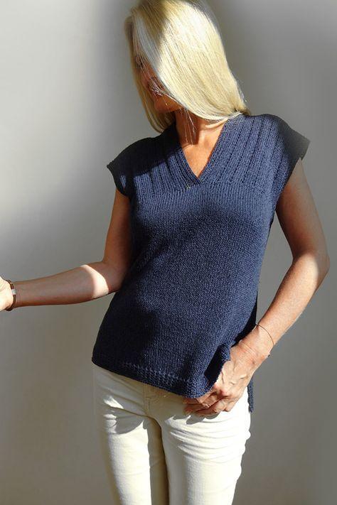 Knit the Perfect Tee! Summerline by Jutta Von Hinterm Stein offers a comfortable... 2