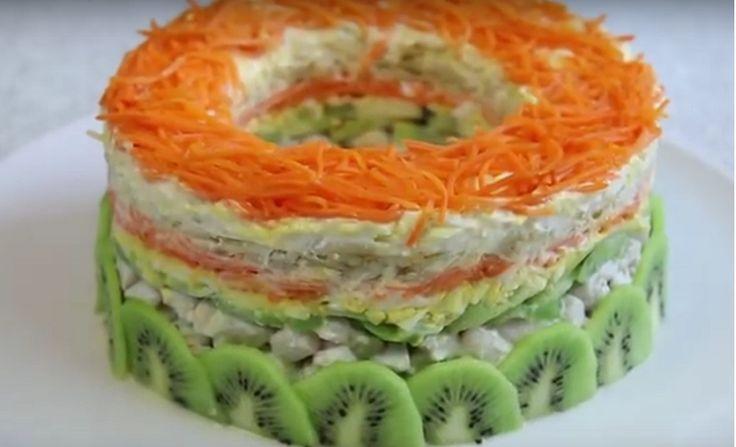 Представляем вам рецепт праздничного салата. Получается он восхитительно красивым, ярким и привлекательным. По вкусу этот салат получается легким и не оставляет тяжести на желудке. Заправлять наш салат мы...
