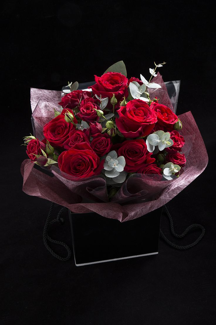 Surprise your Valentine with a Simply Better Hand Tied Freedom Rose Gift Bouquet.