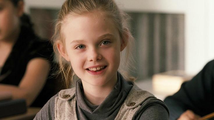 Young Elle Fanning in Phoebe in Wonderland