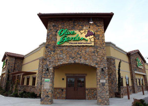 Olive Garden; lekker eten, ook om mee te nemen. Je kunt online bestellen en ophalen, maar daar ook zelf eten. Menu staat online: lekker!
