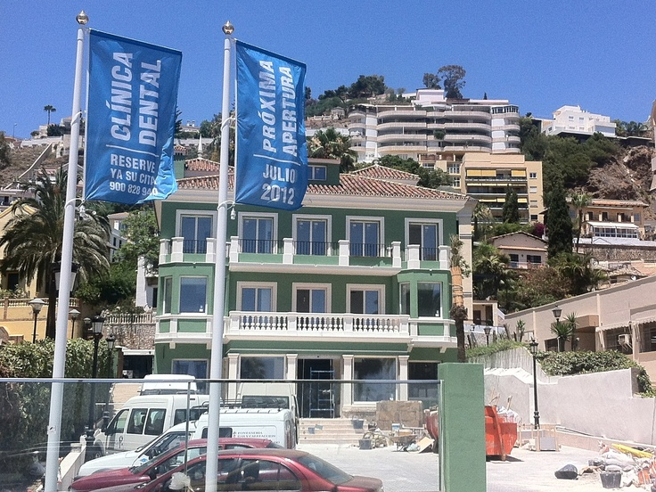 Clinica Dental Aviles y Roman en Malaga. Julio 2012. Proxima Apertura. #malaga #clinica dental