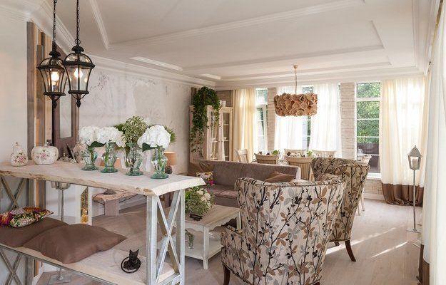 Как сделать веранду главным местом в доме? Отвечаем вместе с «Фазендой»: создайте в ней уютную гостиную со столовой и подчеркните ощущение простора пастельной палитрой в стиле прованс!