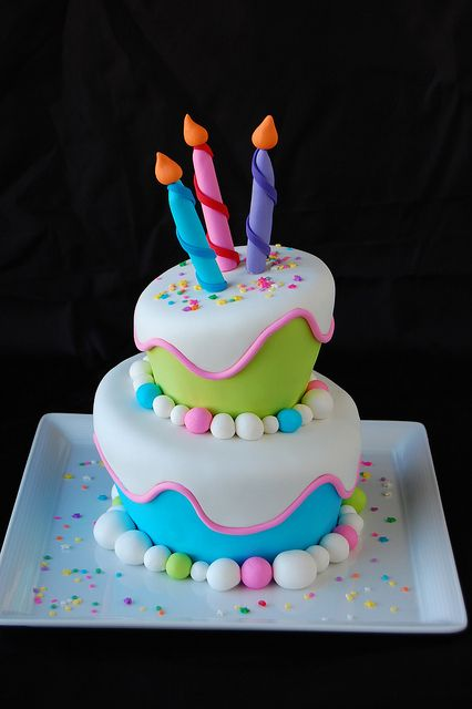 Tartas de cumpleaños - Birthday Cake - Topsy Turvy Birthday Cake by bakingarts, via Flickr
