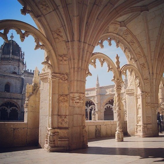 Mosteiro dos Jerónimos, always beautiful & exotic from the 1500s 😍 #belem #lisbondreamsguesthouse #beautifulplace