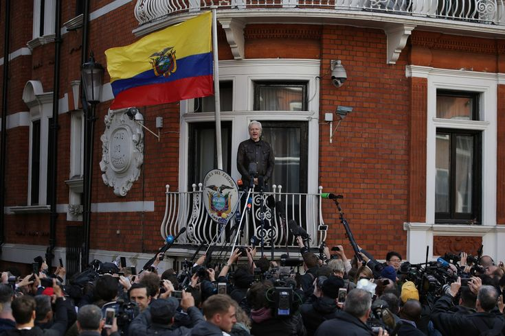 Ecuador Gives Assange Citizenship Worsening Standoff With Britain