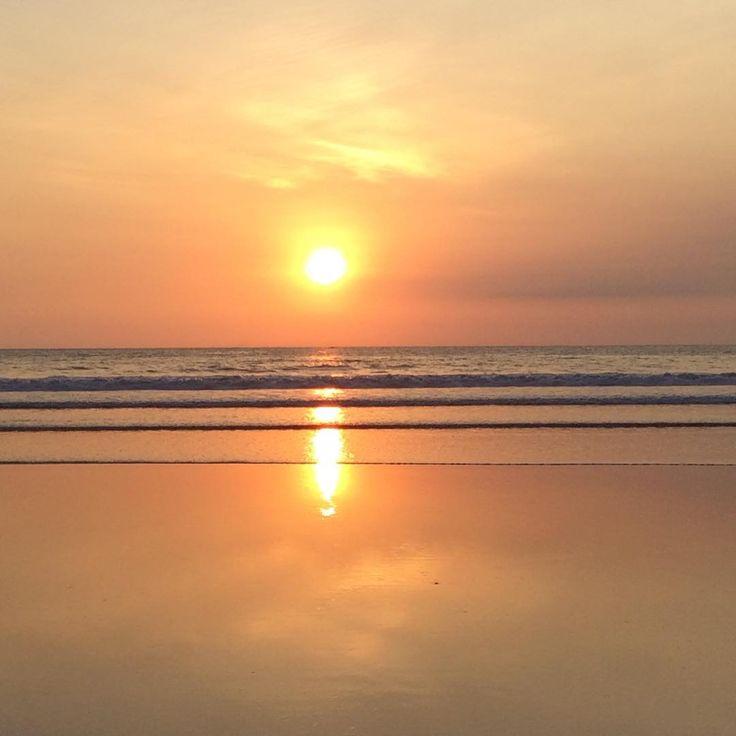 Anyone miss Bali's sunset? This mesmerizing sunset captured by @carmenbookwood #thecamakila #sunset #nature #legian #bali www.camakilabali.com