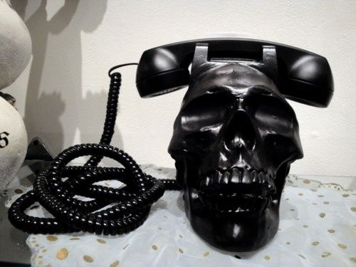 Skull Phone - Skullspiration.com - skull design, art, fashion and more