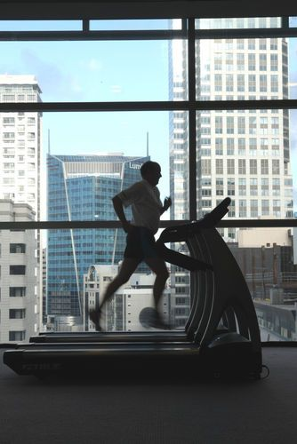 STAMFORD PLAZA AUCKLAND - Enjoy the fabulous views of the harbour and Auckland cityscape whilst working out .