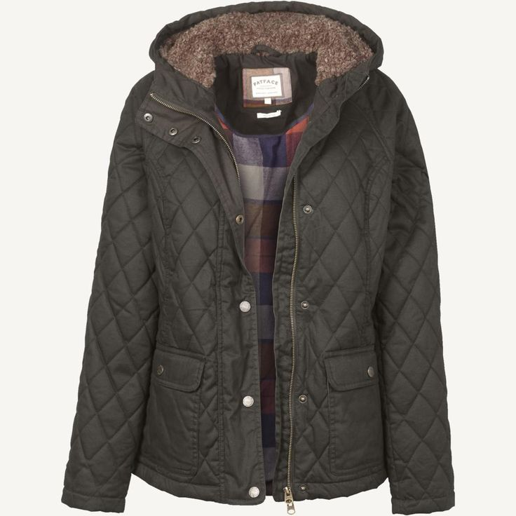 Set to become your new favourite coat, this is the perfect practical jacket for cold-weather days.