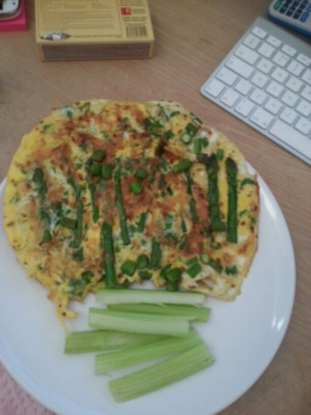 Asparagus and parsley omelette with celery