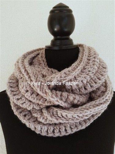 #Xyra #PATR1038 #sjaal #haakpatroon #patroon #haken #gehaakt #crochet #pattern #scarf #shawl #DIY #recht #colsjaal #cowlscarf #col #cowl Patroon (NL) is beschikbaar via: Pattern (English-US) is available at: www.xyracreaties.nl www.ravelry.com/stores/xyra-creaties www.etsy.com/shop/XyraCreaties