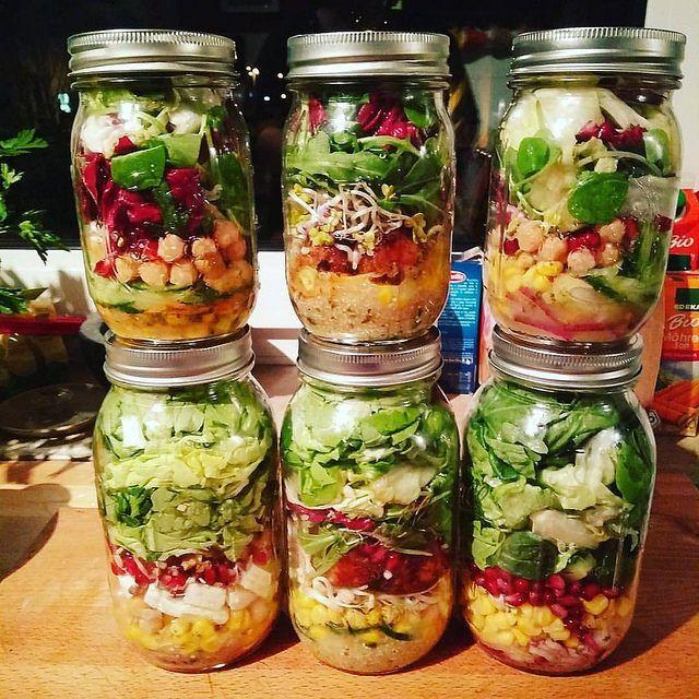 Salat im Glas auf Vorrat