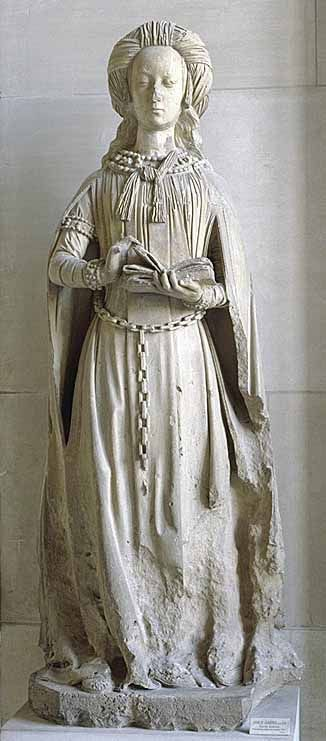 Sainte Anne éduquant la Vierge ; saint Pierre ; sainte Suzanne  Figuraient sans doute dans la chapelle. Les trois statues sont celles des saints patrons d'Anne, fille de Louis XI et régente du royaume de France de 1483 à 1492, de son époux Pierre de Beaujeu et de leur fille unique, Suzanne. Elles sont vraisemblablement antérieures à la mort de Pierre de Beaujeu en 1503.  Jean GUILHOMET, dit Jean de Chartres (connu à partir de 1465 environ ; † vers 1515- 1516)  Sainte Suzanne Provenant du…