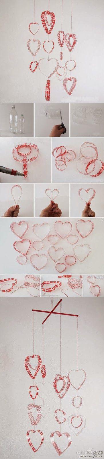 Móvil de corazones hechos de botellas de plástico recicladas - Mobile of hearts made of recycled plastic bottles