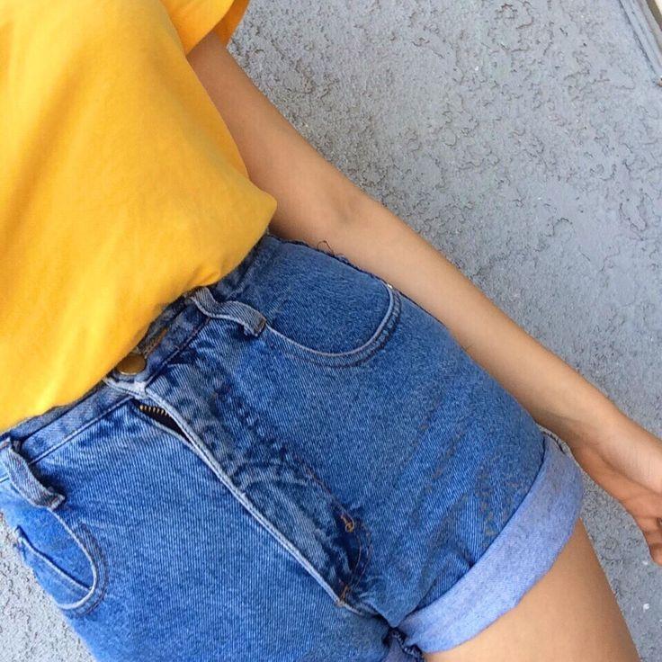 ✭○yellow short sleeve shirt, jean shorts○✭