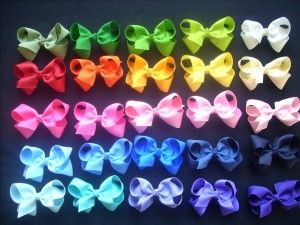 how to make hair bows out of ribbon colorful 300x225 How to make hair bows out of ribbon with patterned fabric?