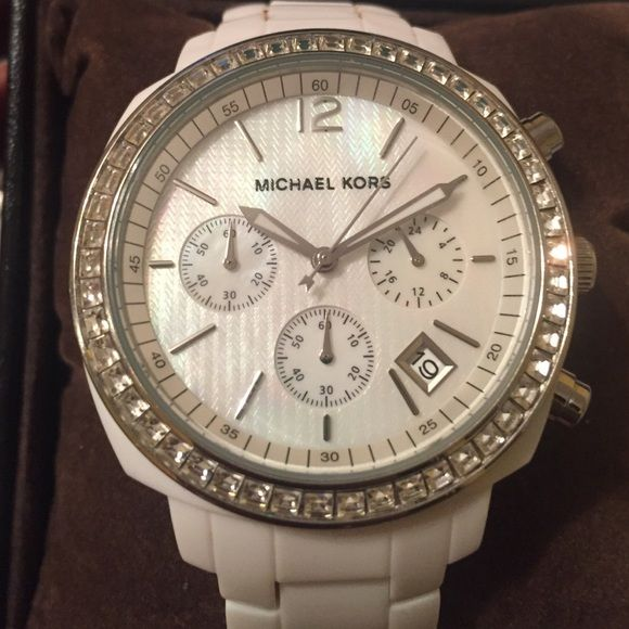 Micheal Kors Watch White Michael Kors watch. Gently worn. Michael Kors Accessories Watches
