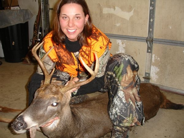 Browning Trophy - Cassi Poling - Whitetail Deer 8-pt. - taken with BAR, 300 Win. Mag.