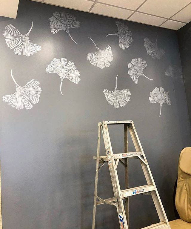 Chinese Ginkgo Stencil In 2020 Accent Wall Paint Accent Wall Stencil Damask Wall