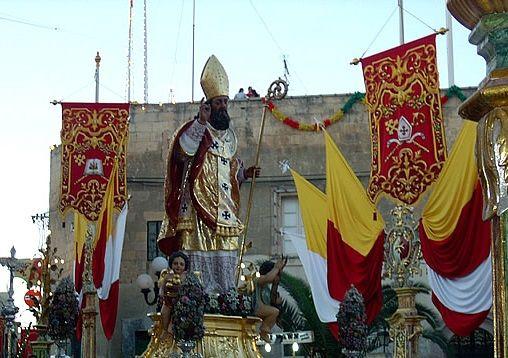 Processie met het standbeeld