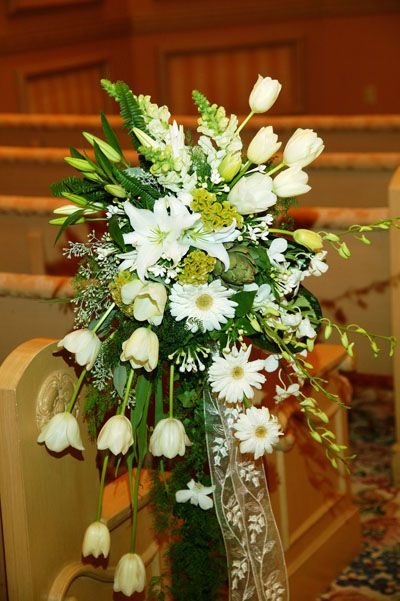 church wedding flower arrangements 17 best images about pew on pew ends pew 2947