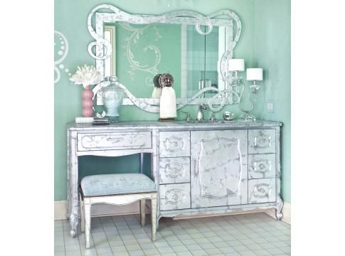 That is Molly all over!Wall Colors, Mirrors, Ideas, Powder Room, Girls Bedrooms, Bedrooms Sets, Bathroom Vanities, Silver, Girls Room
