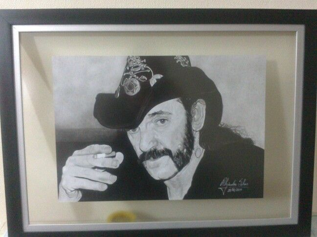 Lemmy con marco