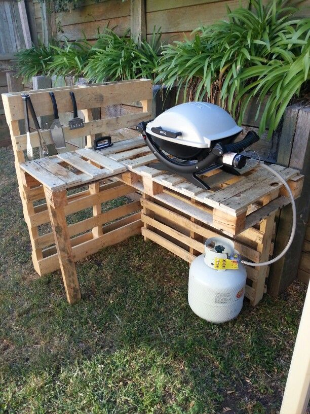 Bbq Stand Made From Old Pallets Bbq Stand Grill Table