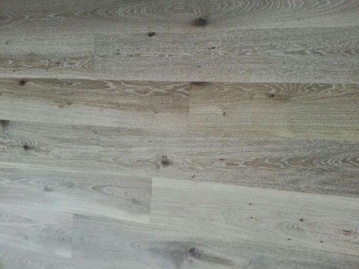 Lime washed oak floating floor, matte finish