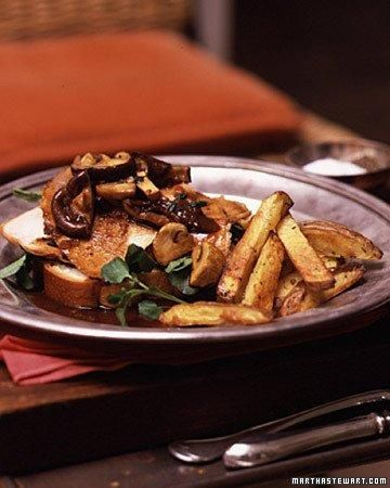 Open-Faced Turkey Sandwich with Mushroom Gravy Recipe