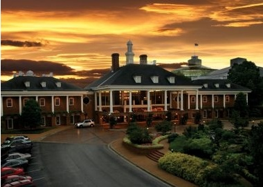2) Gaylord Opryland Hotel & Convention Center Nashville Tennessee: Centrally located and close to everything, Gaylord Opryland is an ideal location for meetings and conventions. With over 600,000 sq ft of flexible meeting space, Gaylord Opryland boasts the largest non-gaming, in-hotel exhibition space in the world. This luxurious hotel is the flagship property of the Gaylord Hotels family. It features 2,881 stylish guest rooms, including more than 200 suites and 750 garden terrace rooms.