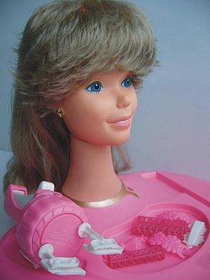 catalogo Barbie de 1986: Barbie Hair Plus, Barbie Face Plus (estojo de beleza) virava a cabeça pra pentear e para voce brincade maquilagem