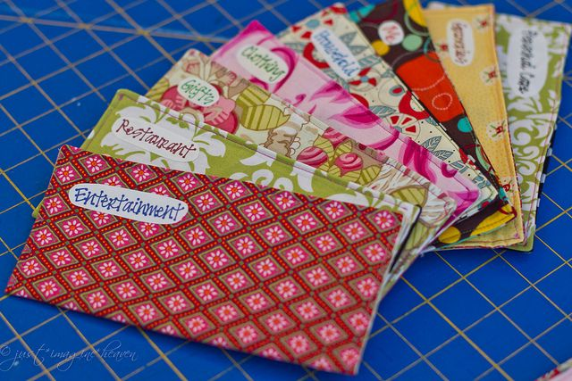 fabric money envelopes for budgeting   Don't know what I would use this for, but @Bari Stalder could make it!