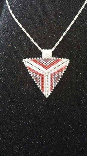 Miyoki üçgen kolye ucu