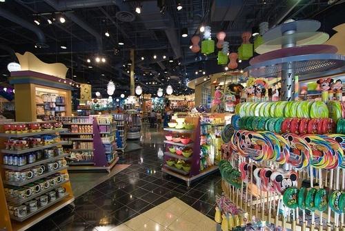 Everything Pop gift shop at Disney's Pop Century Resort, Walt ...