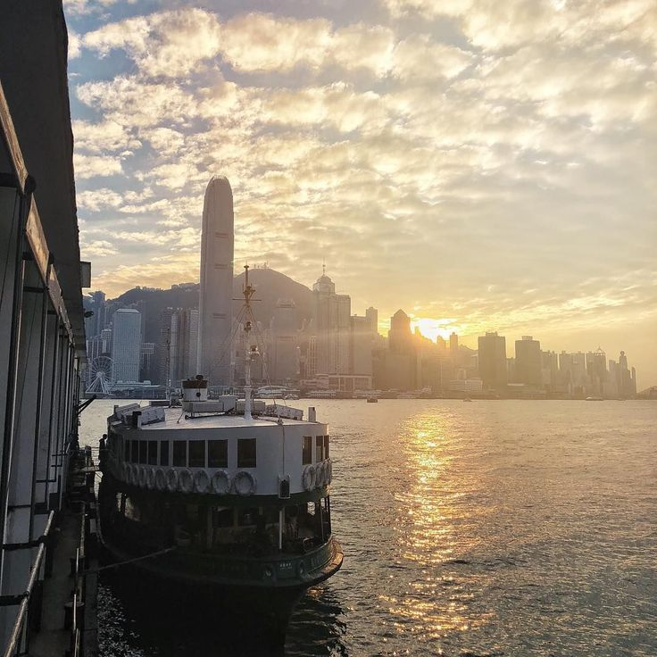 Gotta love those times of day where the heart of the city is made of pure gold. Let those raise warm your soul.  ( #📷 @wai1021 )  #hongkong #hkig #hk #goodday #victoriahabour #starferry #sea #ilovehk #homekong #golden #goldensunlight #sunrays #catchsomerays #goldenhour #goldenrays #heartofgold #heartofthecity #urbanbeauty #sundown #sunset #beautifulday  Check us out online: www.RockAtoll.com Instagram: instagram.com/rockatoll Facebook: facebook.com/rockatoll Twitter: twitter.com/rockatoll