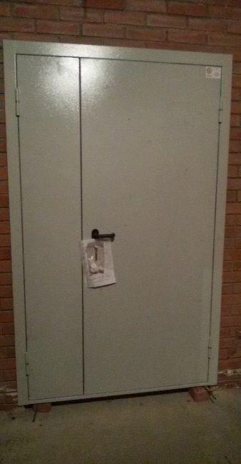 Противопожарная дверь на подземной автопарковке