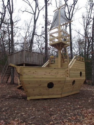 OMG! If i were a kid again... Forget a playhouse, forget a tree house, I WANT A PIRATE SHIP HOUSE! (Pirate Ship Playhouse Plans)
