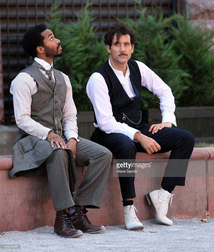 Actors Andre Holland and Clive Owen work on Steven Soderbergh's ...
