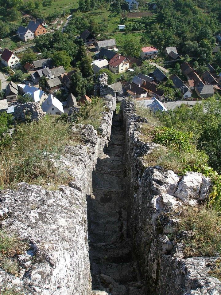 Schodisko v skale na hrade Lednica Biele Karpaty