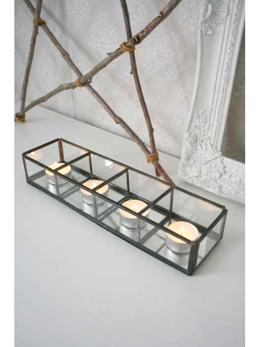 Glasbox med spegelbotten (Ib Laursen)