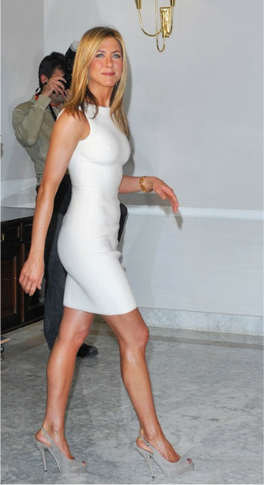 God...damn Miss Jennifer Aniston... You're like a bottle of red wine, you is get better with time.