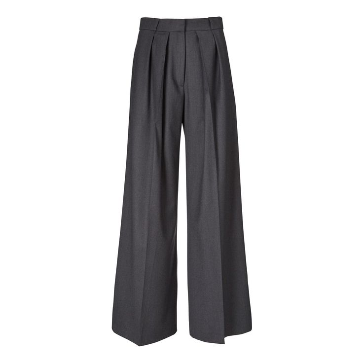 Known for mixing minimalism with timeless design, Fonnesbech always strikes a functional yet fashionable note. The Bianca Trousers are made from 100% organic wool that is lightweight in feel. They are wide-legged and are designed to sit elegantly on the waist. Pair them with the Joy Polo Neck for a tailored, day-time look.