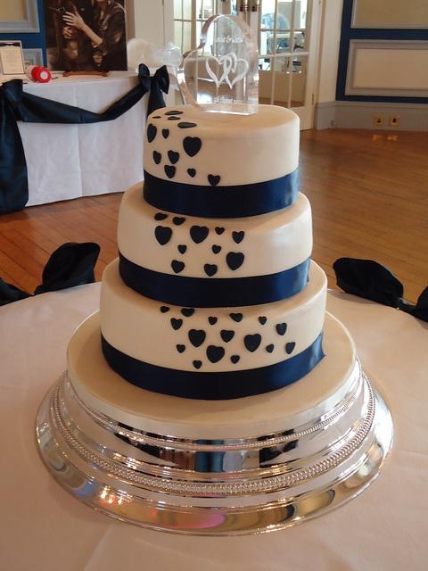 Via Twitter user @daisycakesuk  3 tier wedding cake http://flic.kr/p/aaLxtu