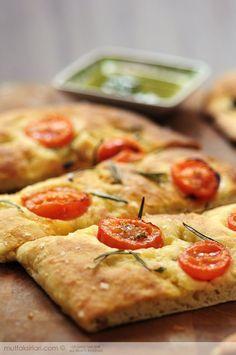 Biberiyeli Domatesli İtalyan Ekmeği – Focaccia Tarifi   Mutfak Sırları - Yemek Tarifleri